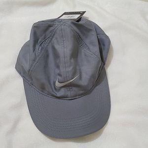 Nike Aerobill Lightweight Cap